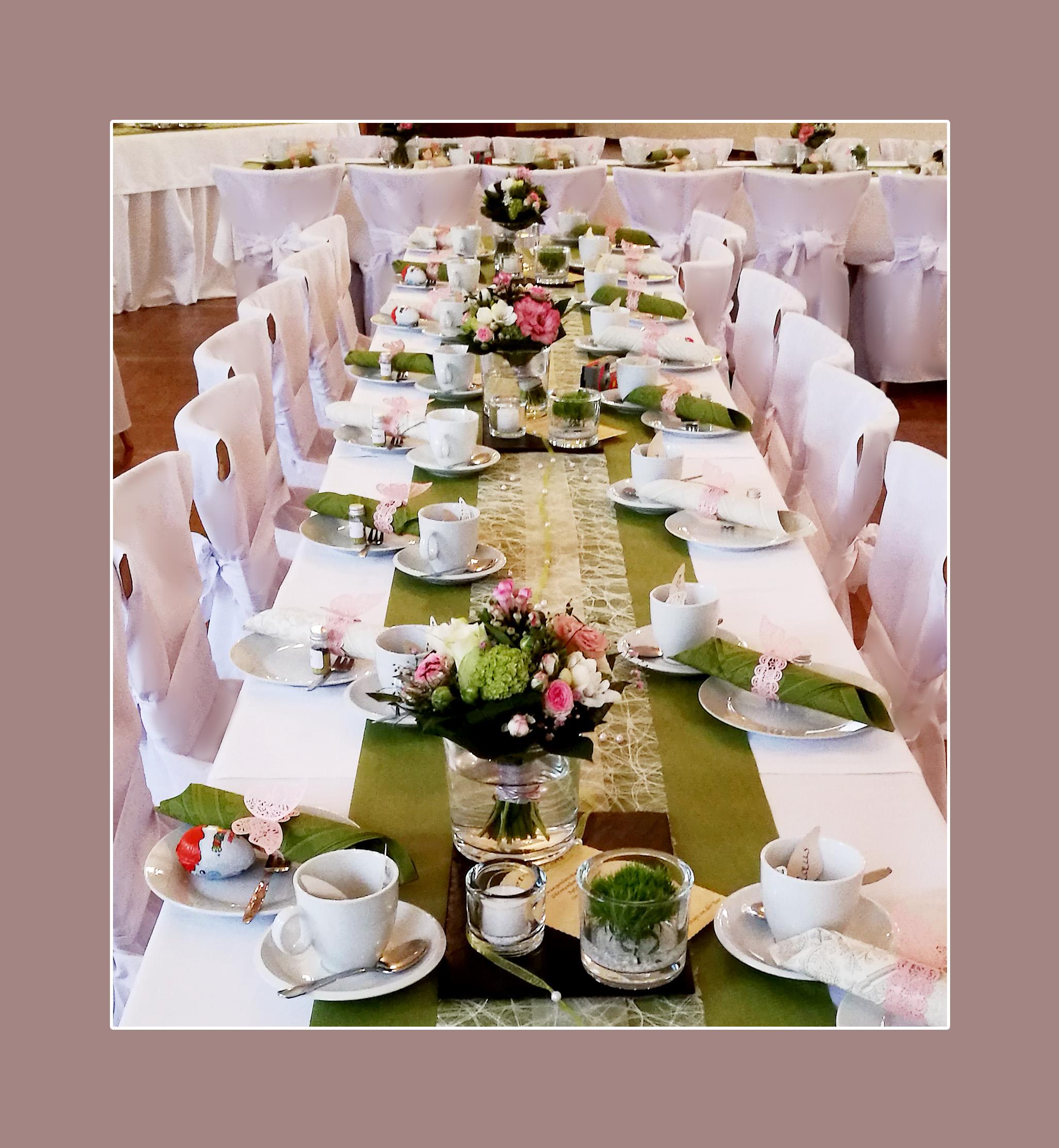 Hochzeitsdekoration in grün